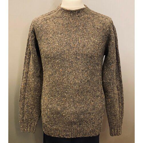 Harley of Scotland Unisex Pullover - Donegal Brunmeleret, brun, grå, naturfarver, jordfarver, skotsk, skotland, Donegal Pullover Blåmeleret Unisex, irsk, aran, irland, strik, striktrøje, strikpullover, tweed, donegal, nister, meleret, blå, sweater, damesweater, uldsweater, herresweater, til mænd, til herrer, til damer, til piger, damestrik, herrestrik, uldstrik, uld, ilden, merino, merinould, blød, kradser ikke, varm, smart, hipster, cool, smart, lækker, tyk, chunky, hyggelig, hyggesweater, lun, afslappet, nistret, trøje, pullover, biti, udendørs, friluftsliv, jagt, jæger, lystfisker, ribe, vadehavet, sort sol, nationalpark, gåtur, vandretur, vandring,