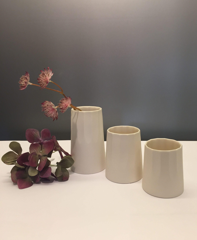 keramik vaser Trine Rytter keramik   Vaser/lyshuse i elfenbenshvid   Biti keramik vaser