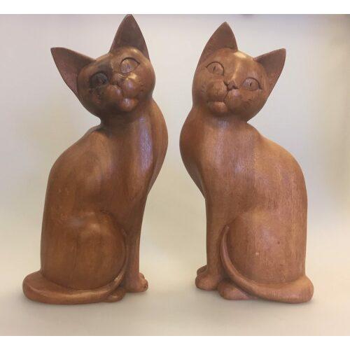 Kat - håndskåret - Siddende Kigger til siden - XL Brun, stor, træfigur, trækat, af træ, katteting, elsker, kat, trædyr, træfigur, håndlavet, træskærerarbejde, træsnit, retro, teak, iponerende, kunst, kunsthåndværk, balinesisk, indonesisk, bali, biti, ribe, speciel, gave, gaveide, figur, pynt