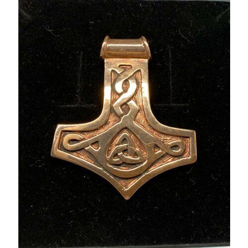 Vikingevedhæng i bronze - Thorshammer med keltisk flet XL, vikingevedhæng bronze thorshammer mjølner, keltisk flet, stor, smal, evigheden, mjølner, thorshammer, vedhæng,smykke, bronze, vikingesmykke, vikinger, gamle, guder, museums, museumssmykker, nordiske, guder, aser, asgaard, kopi, vikingekopi, udgravninger, gylden, bronze, halskæde, gaveide, maskulin, til mænd, til drenge, herre, flas, ikke for tung, ægye, original, speciel, amulet, biti, ribe