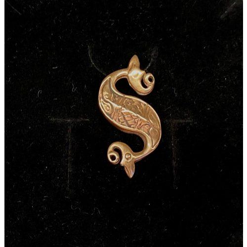 Vikingevedhæng i bronze - Keltisk søhest, vikingesmykker, vikinger, museumsfund, museumssmykker, amulet, vand, kopi, aser, vandvæsen, biti, ribe