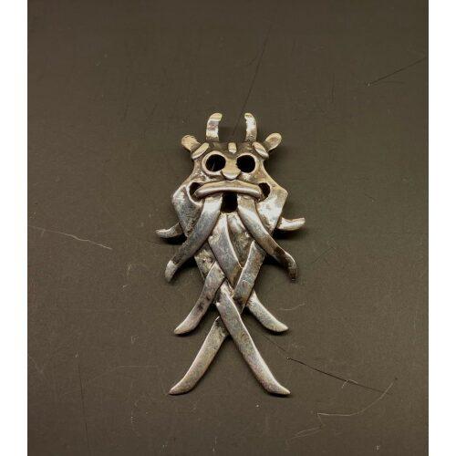 Vikingevedhæng i sølv - Odinmaske L, Vikingevedhæng i sølv - Odinmaske M, odin, øverste, gud, as, aser, vikinger, vikingegud, gamle, nordiske, guder, asgård, midgård, vikingetro, vikingesmykker, vikingefund, vikingetiden, smykker, fund, udgravninger, århusmasken, Aarhusmasken, sølvvedhæng, ægte, original, sterling sølv, ribe, ansgar, museumssmykker, moesgaard, museum, ældste, by, biti, domkirke, museums, kopismykker, kopi, danefæ