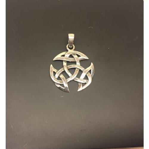 Vikingevedhæng i sølv - Det kosmiske hjul mellem, Vikingevedhæng i sølv - Det kosmiske hjul lille, kosmisk hjul, evighed, uendelighed, magiske tal tre, magisk 3, keltisk, vikingetid, vikingesmykke, vikingevedhæng, vikingefund, amulet, beskyttelse, lykkebringer, sølv, ægte, sterling, sølvsmykke, sølvvedhæng, museumssmykke, museums, kopi, kopismykker, fund, ribe, biti