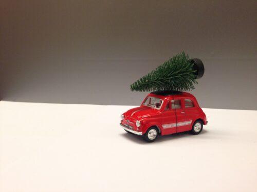 Fiat 500 med juletræ - Rød lille