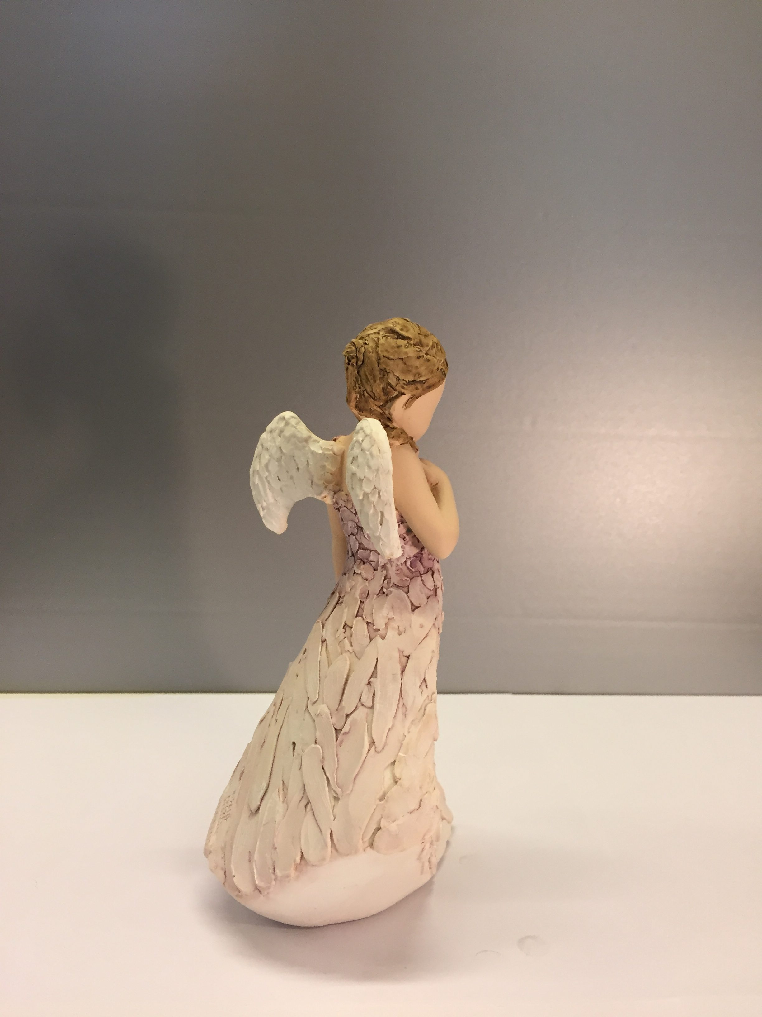 """Lille stående engel """"Friends are angels"""""""
