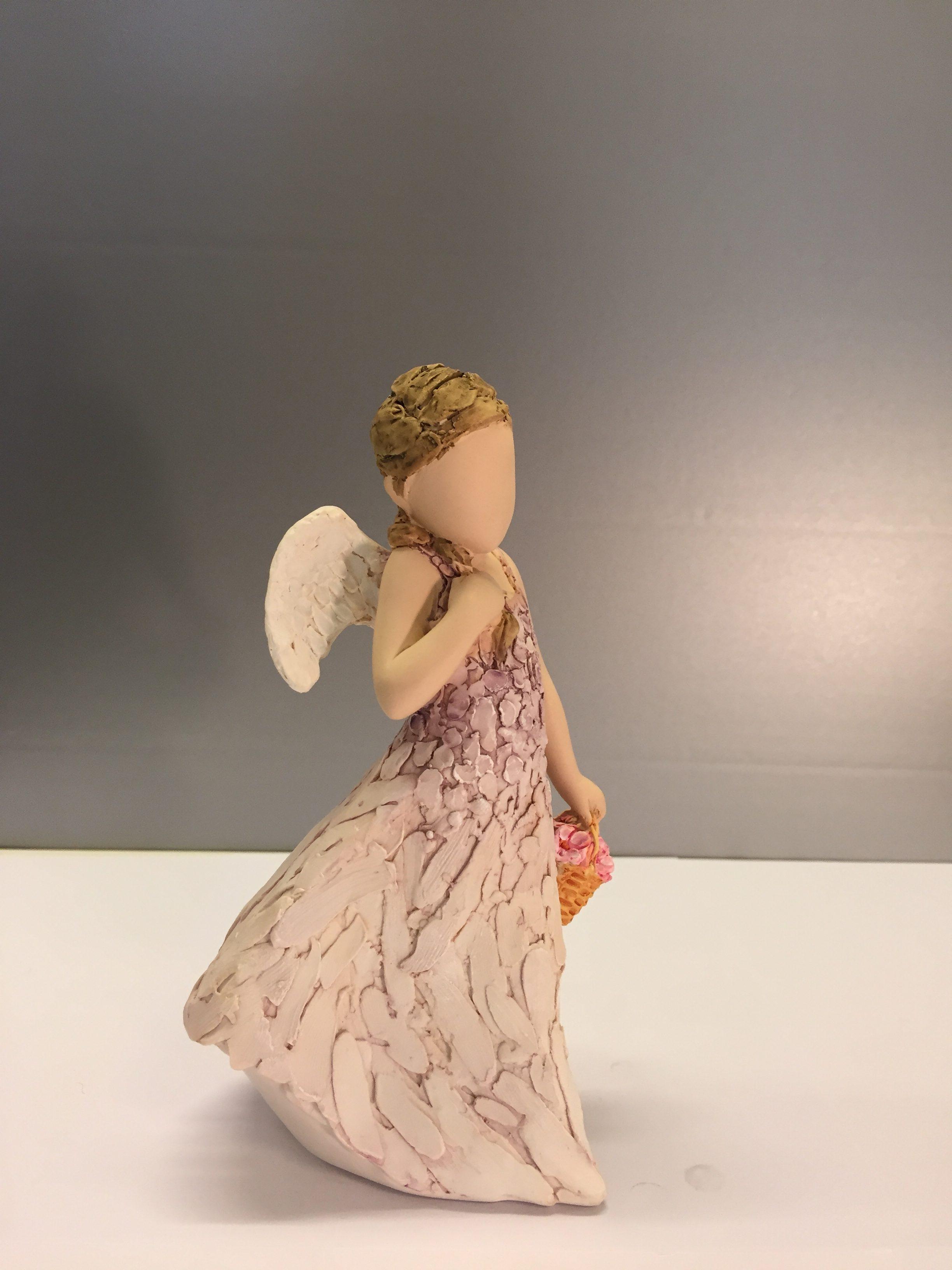 """Arora """"More than words"""" - Lille engel med blomsterkurv - Friends are angels - skytsengel - skytsengle - tak for hjælpen - håb - Arora """"More than words"""" - Lille engel med blomsterkurv """"Friends are angels"""""""