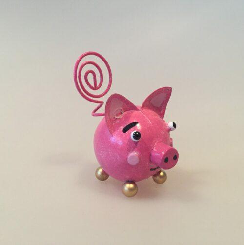 Memo holder metal - Lyserød gris, grisebasse, grissebasse, pink, svin, pig, piggy, ting med grise, gurli gris, gustav gris, memoholder, huskeseddel, noter, huskeklemme, indkøbsseddel, pengegave, pengeholder, fotoholder, gave, metalgris, grisefigur, metalfigur,