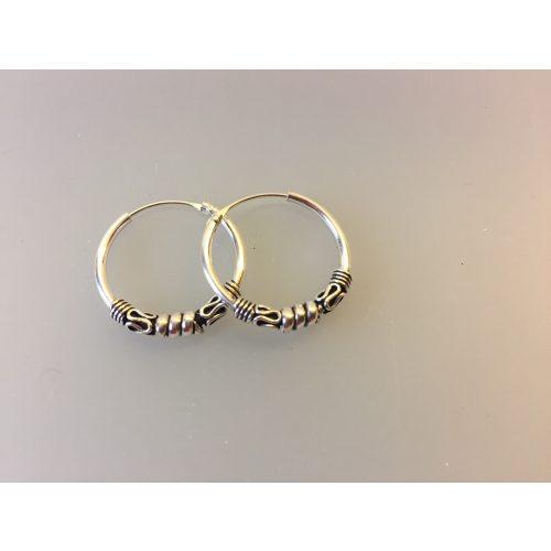 Creol øreringe i sølv med oxyderet mønster - mellem creoler med glatte snoninger og S-mønster ,Ø20 mm