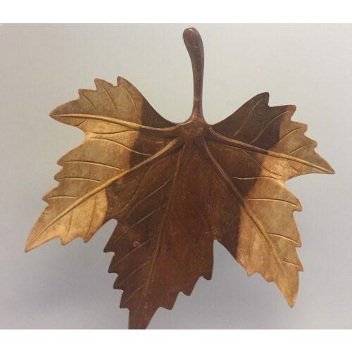 Ahornblad - Håndskåret af Træ