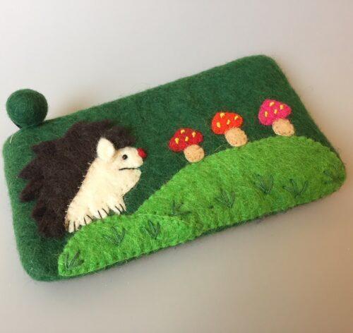 Penalhus - pung i filtet uld - grønt med pindsvin