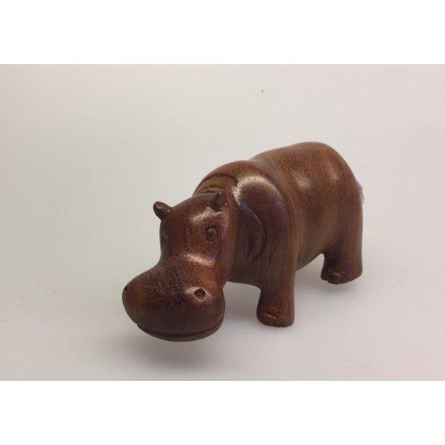 """Flodhest - Håndskåret af træ - Brun mellem """"M"""", Flodhest - Håndskåret af træ - Brun """"M"""", flodhest, hippo, hippopotamus, flodhestefigur, træflodhest, af træ, trædyr, afrika, afrikanske dyr, afrikas dyr, vilde dyr, savanne, biti, ribe, kunsthåndværk, flodhestesamlere"""