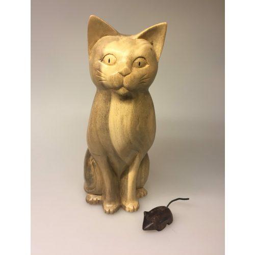 Kat - håndskåret - Trækat Kigger ligeud XL Grå, kat, katte, kattefigur, trækat, trædyr, træfigur, håndlavet, træskærearbejde, flot, naturlig, naturtro. biti, ribe,