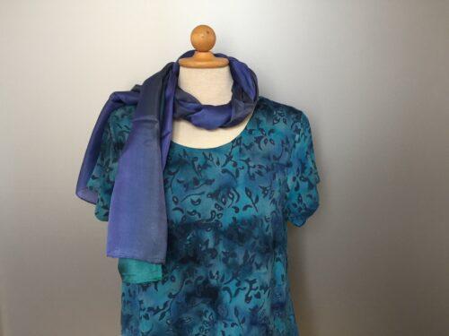 Batik Bluse - Taro - med kort vingeærme - Løv Blå