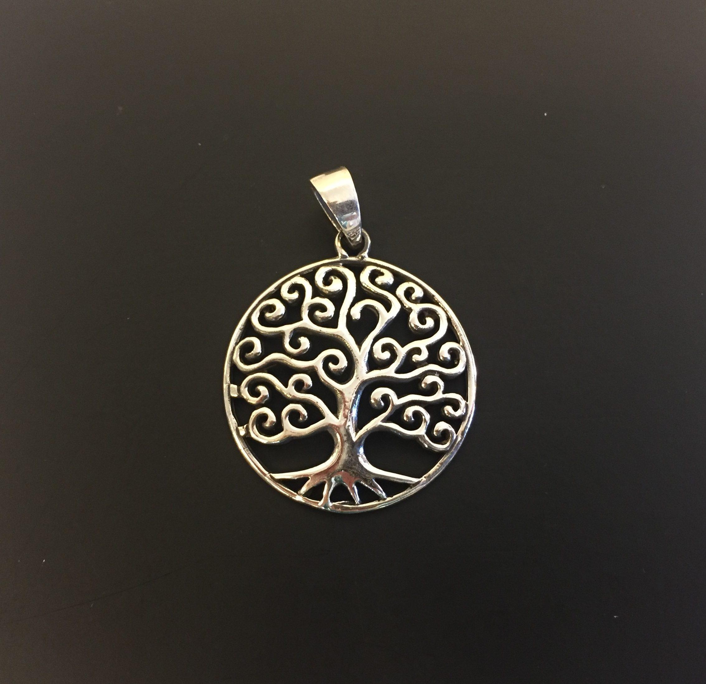 8c25747f66b Vikingevedhæng i sølv – Livets træ Yggdrasil med snirklet krone – buet