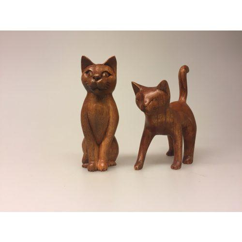 Kat - håndskåret træ - Gående S Brun