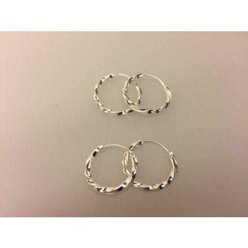Creol øreringe i sølv Ø 20 mm - kraftige snoede, Creol øreringe i sølv Ø 18 mm - kraftige snoede, snoet, twistet, mønster, snoning, lys, blank, sølv, ægte, sterling sølv, hoops, runde, ringe, øreringe, ørenringe, små, tykke, kraftige, flotte, billige, kvalitet, maanesten, cool, specielle, sommer, moderne, stylede, stilede