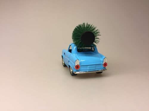 Bil i metal -Trabant med juletræ - Trabi Lyseblå