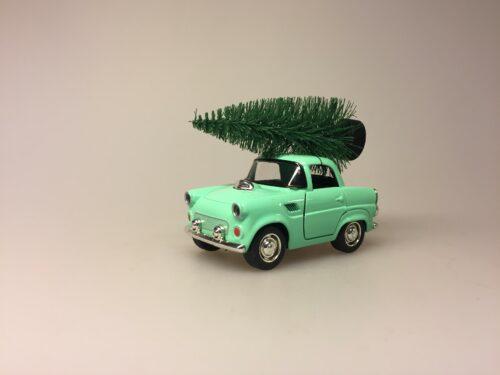 Bil i metal -Trabant med juletræ - Trabi Lysegrøn