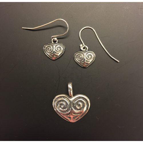 Vikingeørehængere i sølv - Hjerte amuletter