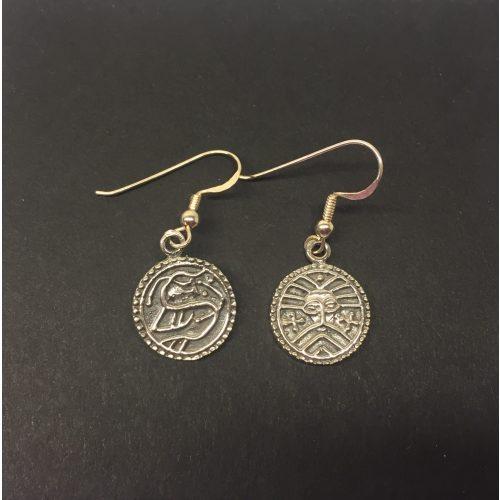 Vikingeørehængere i sølv - Ribemønt, bracteat, braktiat, mønt, penge, sølvskat, fund, fra Ribe, i Ribe, fund, udgravning, mønter, ribe mønt, sølvpenge, øreringe, ørenringe, ørehængere, vikinger, vikingesmykker, kopi, kopismykker, museumssmykker, museums, ægte. sølv, sterling sølv, biti, aser, asatro, gamle,
