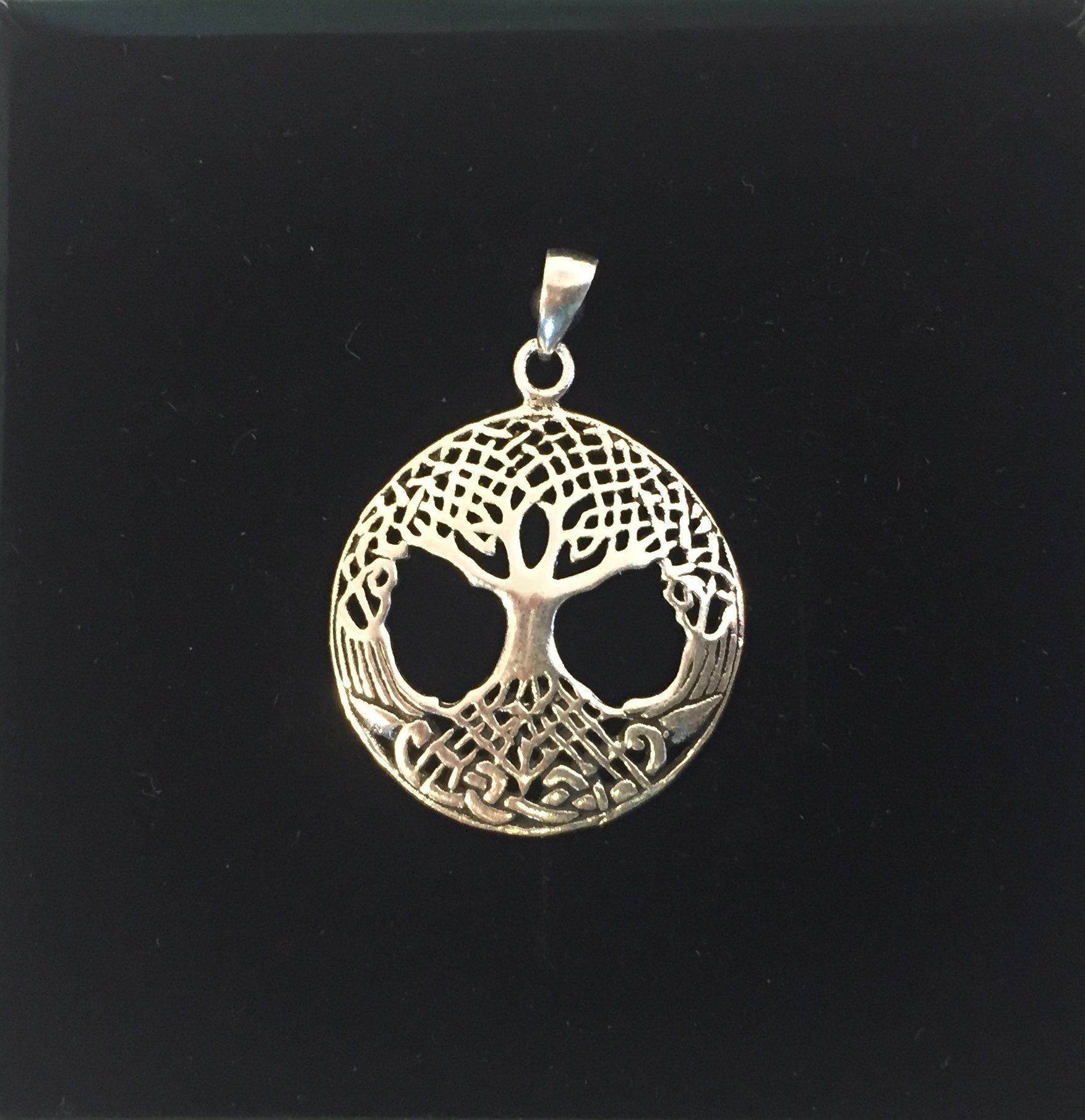 7c211a7266a Vikinge vedhæng i sølv – Livets træ Yggdrasil keltisk flet