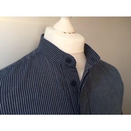 Bondeskjorte i bomuld - Mørkeblå pinstribe (stof 591), voksen