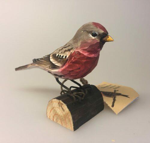 Naturens fugle - Wildlife garden - håndskåret af træ - Gråsisken, fugl, træfugl, fugl af træ, håndsnittet, fugle i farver, danmarks fauna