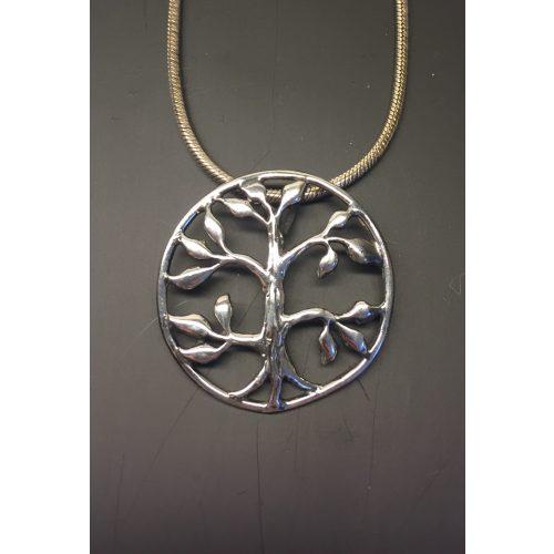 Vikinge vedhæng i sølv - Livets træ Yggdrasil med blade, Vikinge Vedhæng sølv - Livets træ Yggdrasil filigran, vikingesmykker, vikingsmykker, livstræet, ask, ygdrasil, yggdrassil, asatro, sølvvedhæng, sølvsmykke, kædevedhæng, freja, nordisk mytologi, asgård, udgård, midgård, museumssmykker, museums smykker, kopi smykker, fund, kopier af fund, ribe, biti,