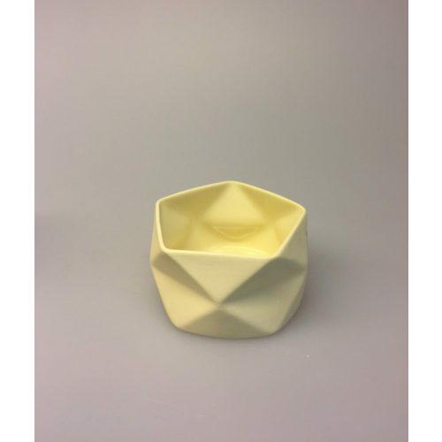 Trine Rytter keramik - Foldemønster gul, keramik, dansk, kunsthåndværk, made in denmark, dansk design, keramiker, keramikkamp, pastelfarver, biti, ribe, brugskunst, håndværk, håndlavet, stage, vase, urtepotte,
