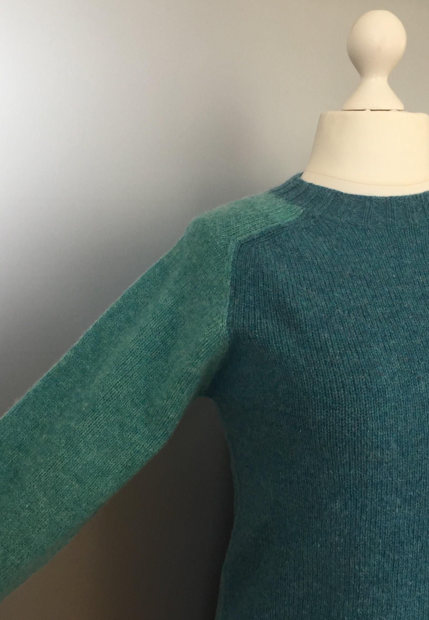 Harley of Scotland - Unisex Uld Pullover - tofarvet, turkis, blå, blågrøn, sporty, herremodel, herrestrik, herresweater, uldtrøje, uldpullover, pullover, striktrøje, strik, trøje, let, lun, tynd, lang, damestrik, biti, speciel, skotsk
