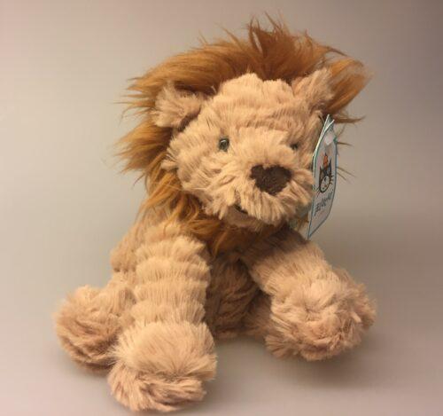 Bamse - Løveunge, løve, løvebamse, løve bamse, bamseløve, krammedyr, sovedyr, puttebamse, puttedyr, løvernes konge, simba, leo, the lion, lille, blød, nuttet, kvalitet, jellycat, ting til børn, gave,