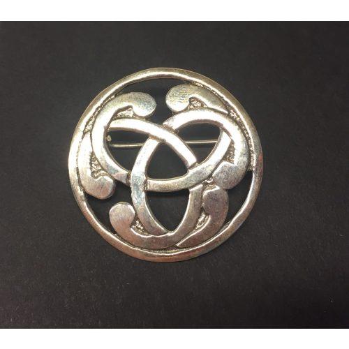 Vikinge broche i sølv - Magiske 3, tre, magiske tal, triskele, triscal, broche, nål, spænde, stor, ægte, sølv, sterling, oprindelig, kopi, fund, vikiger, vikingesmykker, vikingefund, vikingebroche, spænde, museums, museumssmykker, kopismykker, aser, nordisk, mytologi, biti, ribe