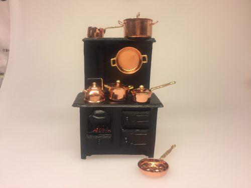 Miniature kobber Pande rund ,Miniature kobber æbleskivepande, komfur Miniature Støbejerns Komfur med ild, komfur, dukkekomfur, ovn, miniaturer, dukkehusting, ting til dukkehuset, dukkekøkken, støbejern, støbejernskomfur, nissebo, ting til nisser, nissetilbehør, dukketilbehør, mini, 1:12, skala, lille, småt, doll house, miniaturen, biti, ribe