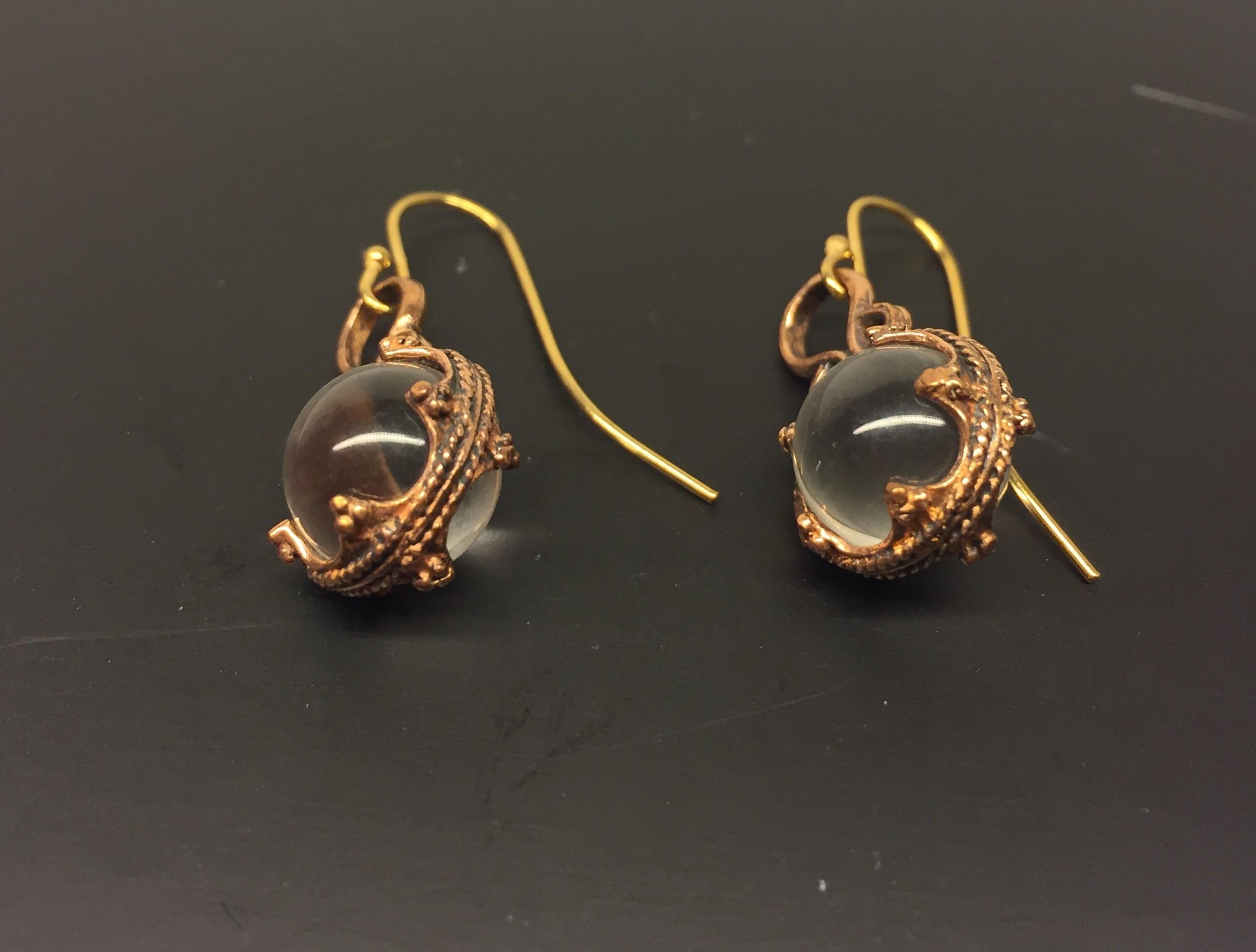 Vikinge Ørehængere i bronze - Gotlandsk krystal enkel, ørehængere, øreringe, ørenringe, øresmykker, bronze, smykker, vikingesmykker, museumssmykker, museums, kopismykker, vikingekopier, oldtidsfund, historiske smykker, ægte, originale, aser, nordisk, nordiske, mytologi, gamle, symbolik, amuletter, specielle, kvalitet, ribe, biti, fund,