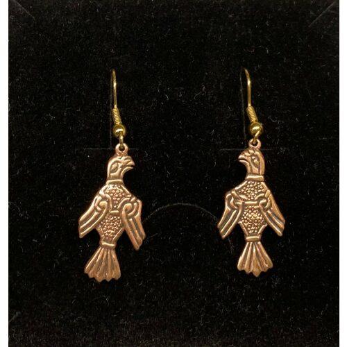 Bronze Øreringe - Odins Ravne Hugin og Munin, ravn, ravne, Odin, Odins ravne, klogskab, viden, information, nordisk, mytologi, nordiske guder, smykker, bronze, øreringe, ørehængere, fugle, gamle, museumsfund, museumssmykker, vikingesmykker, vikingeøreringe, hængeøreringe, ørehængere, kobber, bronzesmykker, ydun, idun, thor, sif, fenris, danerne, aser, asatro, kopismykker, vikingekopi, guldskat, udgravninger, biti, ribe, vadehavet, sort sol, domkirken, ansgar, gaveide, gave, gyldne, gyldent, kobberfarvet, kobberbryllup,