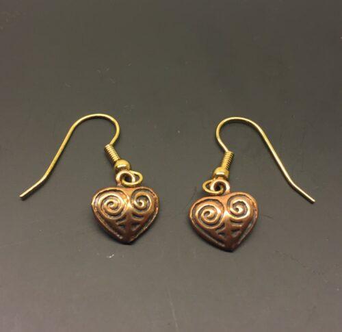 Vikinge Ørehængere Bronze - Hjerte amuletter, Vikinge Ørehængere i bronze - Hjerte amuletter , kærlighed, kæreste, kærestegave, kærlighedsgave, symbol, årsdag, valentines, bryllupsdag, forlovelse, vikingesmykker, vikinger, aser, frugtbarhed, tillykke, museums, museumssmykker, bronze, bronzesmykker, gyldne, kobber, kopi, kopismykker, ægte, originale, danske, gamle, guder, nordisk, mytologi, historiske, smykker, fund, ribe, biti