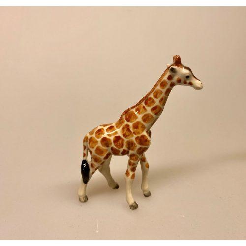 Giraf Figur porcelæn, porcelæn, porcelænsfigur, porcelænsdyr, porcelænsgiraf, af porcelæn, giraf, giraffer, se giraffen, savanne, savannens dyr, storvildt, safari, zoo, zoologisk have, samler, sættekasse, sætterkasse, amagerhylde, biti, ribe