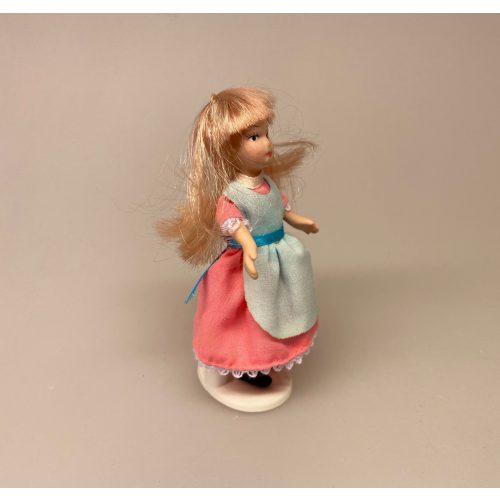 Lille pige Alice, dukkehusdukke, dukkehusdukker, dukke, dukkepige, pigedukke, ting til dukkehuset, dukkehusting, dukketing, miniature, miniaturer, små ting, sættekassen, sættekasseting, biti, ribe