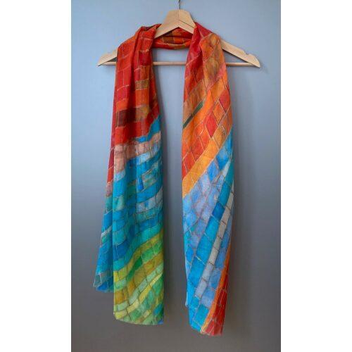 Salto koloreret tørklæde - Carla Regnbue, fest, festtøj, galla, stola, sjal, stort, tyndt, let, hør, bomuld, natur, dansk, denmark, kunsthåndværk, vævet, alle farver, regnbue, regnbuefarvet, alle regnbuens farver, pride, det bliver godt igen, symbolik, smukt, biti, ribe