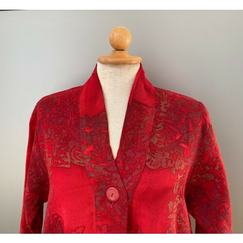 UNO jakke A-facon i hør/viskose - Varm Rød, festtøj, festjkke, vidde, løs, klædelig, store størrelser, stor barm, curvey, struktur, hørjakke, indejakke, til fest, casual, afslappet, look, elegant, smart, speciel, blød, åndbar, lækker, smuk, rød, rigtig, rød, varm farve, varme faver, knaldrød, postkasserød, rouge, sommertøj, let, bolero, biti, ribe, Diva