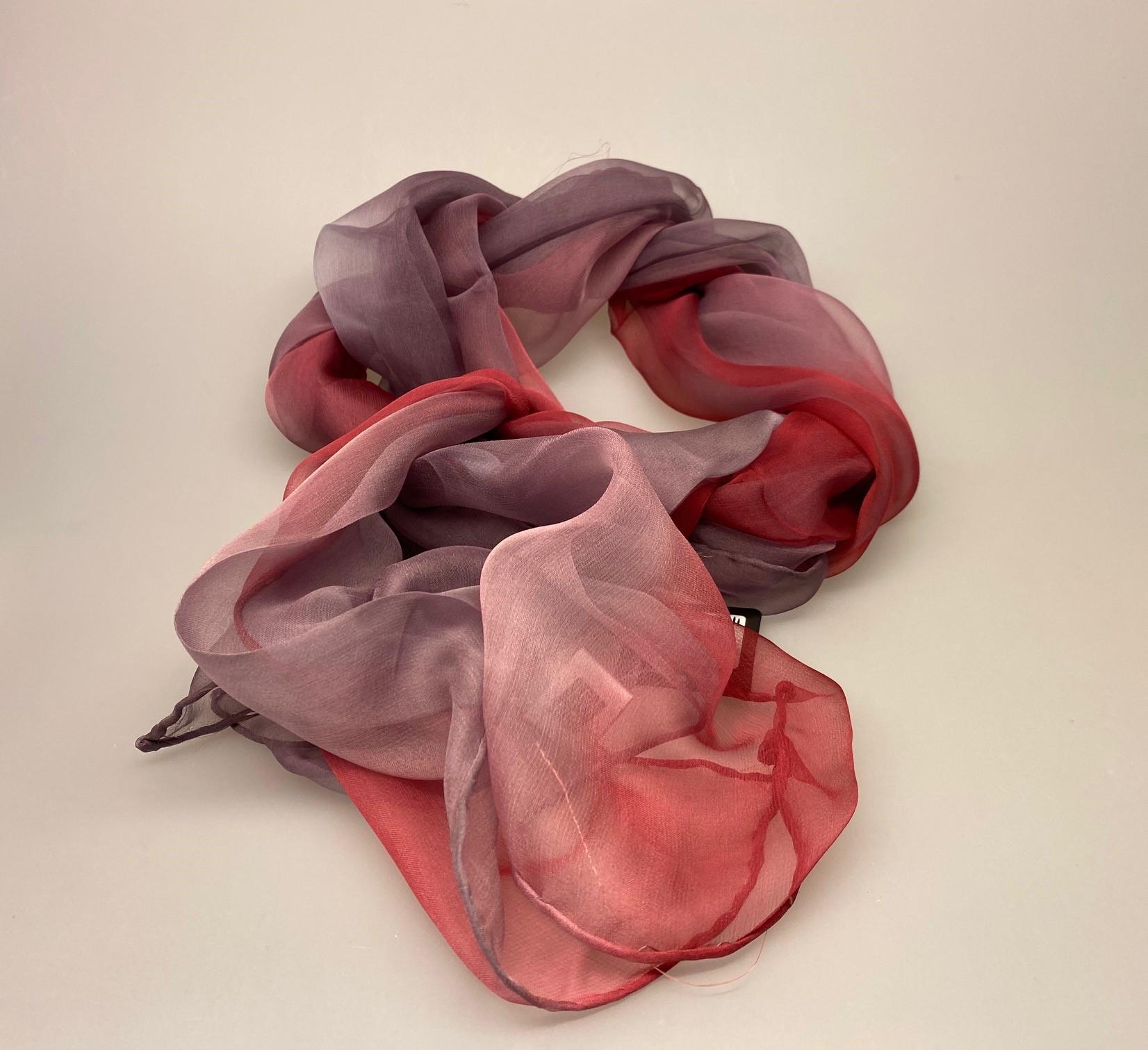 1158-250, Silkechiffon Tørklæde 1158 - Lyng/Lilla ,silke, hvid, lyngfarvet, lilla, lynglilla, rosa, silke, ren silke, silketørklæde, silkechiffon, let, stort, volumen, sjal, stola, fest, festtøj, elegant, kvalitet, flot, kor, gave, gaveide, rund fødselsdag, biti, ribe