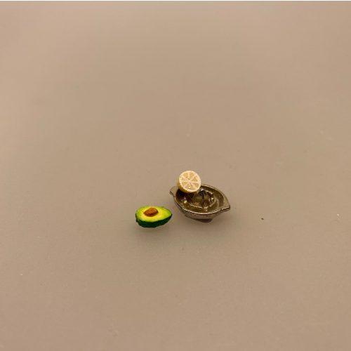 Miniature halv Avokado, grønt, grønsager, frugt, avokado, avocado, mini, dukkehusmad, dukkehusting, dukkehus, sættrekasse, sættekasse, mikro, rejecocktail, biti, ribe, legemad,