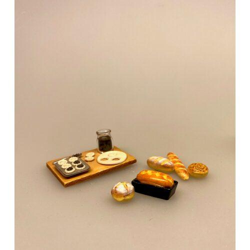 Miniature Franskbrød i Form, brunch, morgenmad, gavekort, til brunch, bagværk, Miniature Lille Brød, brød, miniature, minibrød, minimad, dukkehusmad, bagværk miniaturebrød, dukkehus, dukkehuset, bagedysten, den store bagedyst, bager, bageri, legemad, ting til dukkehuset, sætterkassen, sættekassen, sættekasseting, dukkehustilbehør, biti, ribe, 1:12, bageform, formfranskbrød, formbrød,