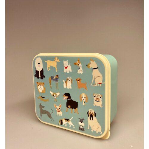 Firkantet Madkasse lyseblå med Hunde, Madkasse sæt m. 3 bokse - Hunde, hund, ting med hunde, hundemotiv, madasse, hundeting, gravhund, old english sheepdog, grand danois, rottweiler, mops, fransk bulldog, engelsk bulldog, beagle, jack russel terrier, dansk svensk, schnauzer, blodhund, yorkshure terrier, cairn terrier, west highland terrier, westie, chihuahua, beagle, greyhound, mynde,