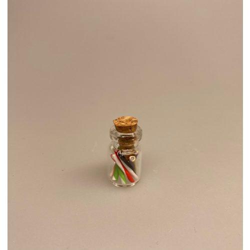 Miniature Glas med Bolchestænger kulørte, Miniature Slikpose med Kulørte Dalere, Miniature Bolchestok, slik, dukkehus, dukkehuset, sættekasseting, sætterkasseting, ting til, dukkehuset, sættekassen, miniatyre, miniaturere, mini, skala 1:12, købmandsbutik, legemad, legeslik, julepynt, nissetilbehør, nissebo, nisserne, nissedør, gaveide, sangskjuler, sød tand, sliksulten, pyrus,Miniature Slikpose med Sølvdalere, Miniature Glas med Bolchestænger pebermynte