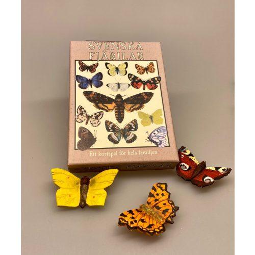 Magnet Sommerfugl af træ - Det hvide C, Magnet Sommerfugl af træ - Påfugleøje, Magnet Sommerfugl af træ - Admiral, Magnet Sommerfugl af træ - Citron sommerfugl, sommerfugle, natur, naturinteresseret, butterfly, frihed, gaveide, magnet, håndlavet, træ, træskærearbejde, af træ, kunsthåndværk, naturlig, biti, ribe, ,Kortspil - Sommerfugle, sommerfugleting, ting med, sommerfugle, insekter, natsværmere, fauna, lærerigt, mandelgave, gaveide, hygge, julegave, fint, svensk, sverige, astrid lindgren, elsa beskow, skåne, småland, pippi, speciel, natur, naturinteresseret, bæredygtigt, julegaver, biti, rive, vadehavet, nationalpark,