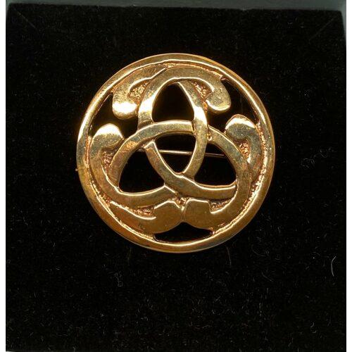 Vikinge broche i bronze - Magiske 3 , rund, stor, Vikinge broche i bronze - Keltisk knude lille oval , bronze, bronzebroche, evigheden, uendelig, magiske, tal, tre, triskele, triscal, lille, fin, magisk, amulet, ovel, gylden, billig, vikinge, vikingesmykker, museumssmykker, museumskopi, museums, smykker, smykke, nordisk, guder, mytologi, gamle, oldtids, kopismykker, kopi, vikingekopi, fund, vikingefund, biti, ribe, danmarks, historiske,