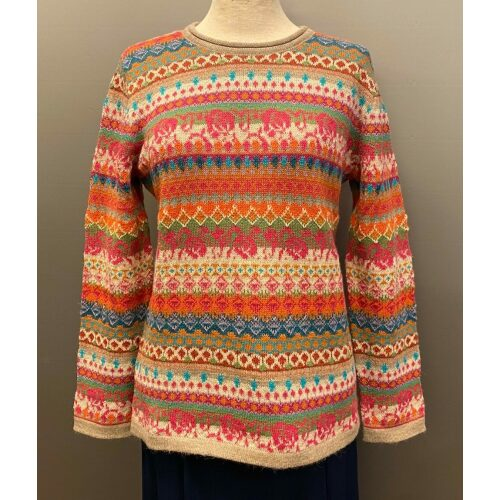 Beatriz Alpaca pullover - Multifarvet, multicolour, multi, regnbuefarvet, glade farver, kulørt, hønsestrik, mønsterstrik, mønsterstrikket, striber, lyse farver, muntre, alpaka, alpakauld, alpakastrik, alpakatrøje, pullover, trøje, strik, damestrik, strikket, uldstrik, lamauld, alpacastrik, alpacauld, alpacapullover, varm, let, tynd, lun, blød, lækker, kradser ikke, silke, cashmere, kashmir, luksus, luksuriøs, eksklusiv, elegant, sjov, flot, speciel, fin, smart, pigestrik, biti, ribe, vadehavet, design, danmark, peru,