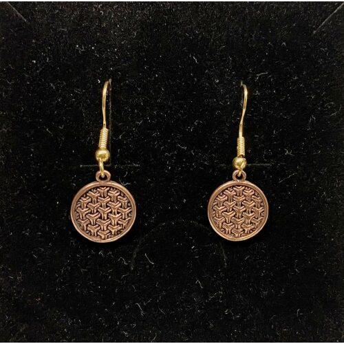 Bronze Ørehængere Ringkædemønster, ringkæde, evighed, infinity, uendelighed, evighedsmønster, kædemønster, øreringe, ørehængere, hænge øreringe, lange, øreringe, ørenringe, gyldne, kobber, kobbersmykker, kobberbryllup, varm farve, ægte, guld, bronze, bronzesmykker, vikinger, vikingetiden, vikingesmykker, vikingefund, sølvskat, opgravninger, museumssmykker, ansgar, ribe, domkirken, dagmar, riberhus, runde, flotte, specielle, symbolik, for evigt, kopismykker, vikingeøreringe, sif, thor, freja, ydun, idun, balder, loke, aser, asgård, vadehavet, sort sol, gave, gaveide,