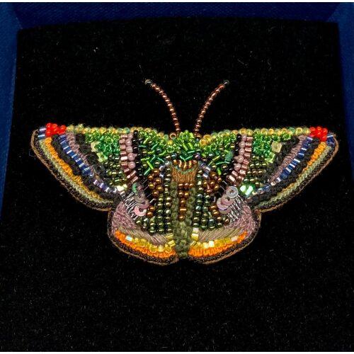 Håndlavet Broche Kulørt sommerfugl, farverig, regnbuefarvet, kulørt, farveglad, Håndlavet Broche Blå sommerfugl, sommerfuglebroche, smykker med, smykke med, sommerfugle, eksklusive smykker, specielle, særligt, håndlavey, kunst, kunsthåndværk, broche, naturen, insekter, gaveide, gave, særlig gave, ekstraordinær, smuk, smykker, biti, ribe, unika, one of a kind, limited edition, begrænset oplag, kunstrunden, ribe, vadehavet, nationalpark,